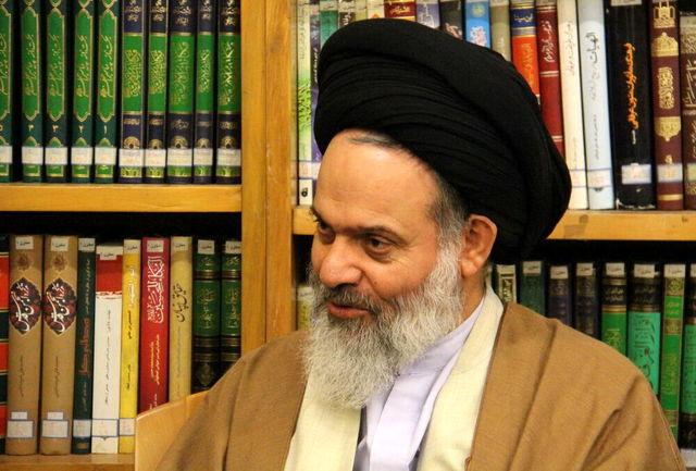 مراسم عزای حسینی باید بی پیرایه، سنتی و خالص باشد/ امام حسین (ع) نیاز ندارد با بدعت مردم را به عزاداری دعوت کنیم