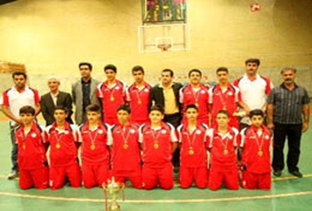 اصفهان بر سکوی قهرمانی رقابتهای بسکتبال نونهالان کشور ایستاد
