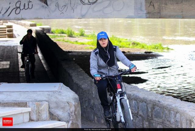 دبیر ستاد احیا امر به معروف و نهی از منکر استان اصفهان: بحث اصلی ، مبُلغان دوچرخه سواری بانوان هستند/ فعلا به دوچرخه سواران زن کاری نداریم