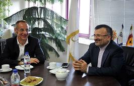 داورزنی: پایگاه های قایقرانی ایران را افزایش می دهیم / در حوزه ورزش همه کشورها باید در کنار هم رشد کنند