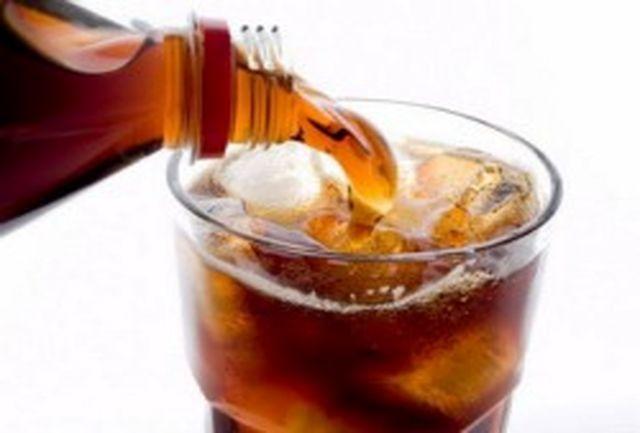 پرهیز از مصرف نوشیدنی های شیرین و کافئین دار در هنگام گرمازدگی