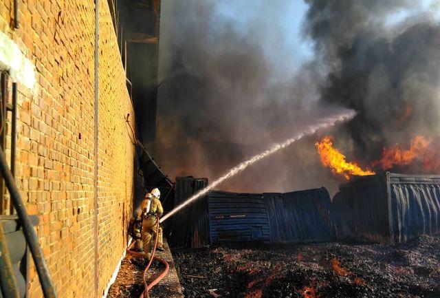 آتش سوزی در یک کارخانه تولیدی/حادثه مصدومی نداشت