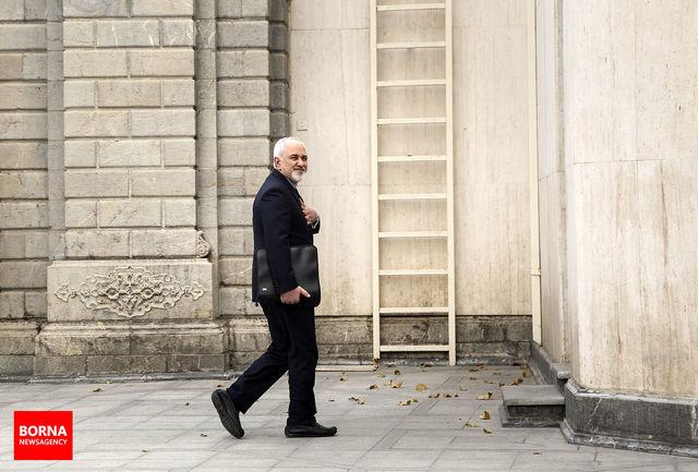 حواس مردم به محمد جواد ظریف است/ تَکرار به سبک صدا وسیما/ گذشت دوران زورگویی/ از شهردار تهران تا شهرداران پاریس و لندن/ حاشیه سازی های زرد برای سفر روحانی
