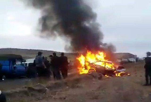 دو سرنشین سمند در آتش جان باختند