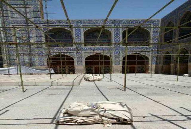 جمع آوری داربست ها از مسجد امام درحال انجام است