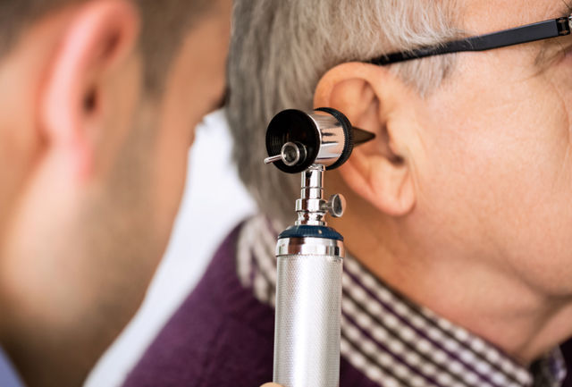 در مورد شستوشوی گوش چه میدانید؟/ بررسی عوارض و موارد شستوشوی گوش