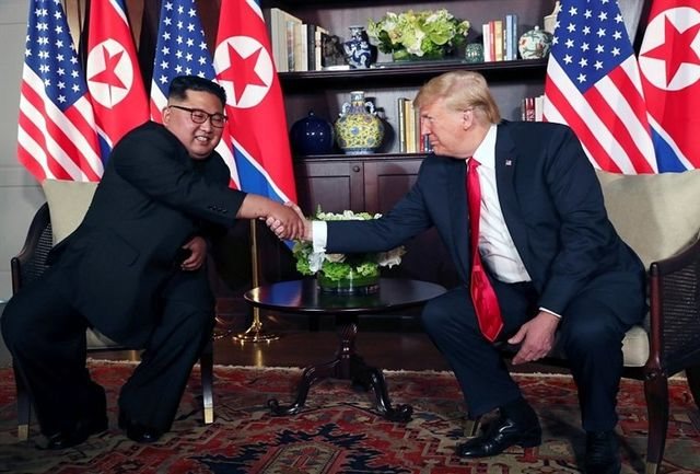 اوج استرس ترامپ و کیم جونگ اون مقابل دوربینها