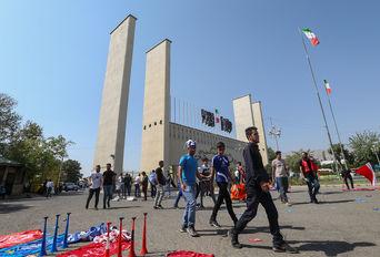 استادیوم آزادی تهران پیش از دربی ۹۰
