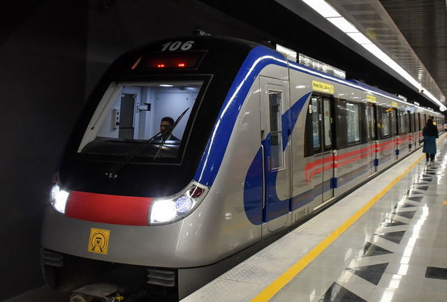خدمات رسانی مترو به تماشاگران مسابقه فوتبال پرسپولیس و کاشیما
