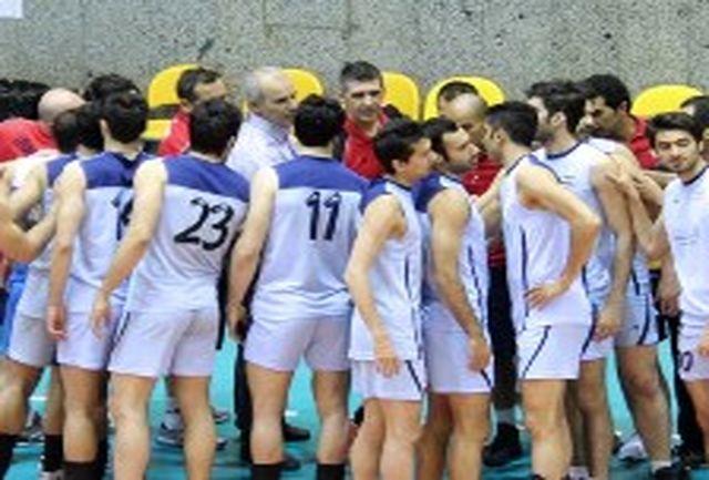 تمرینات تیم ملی والیبال با تمامی بازیکنان پیگیری میشود