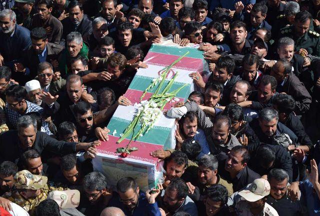 پیکر مطهر شهید محسن خزائی در زاهدان تشییع و به خاک سپرده شد