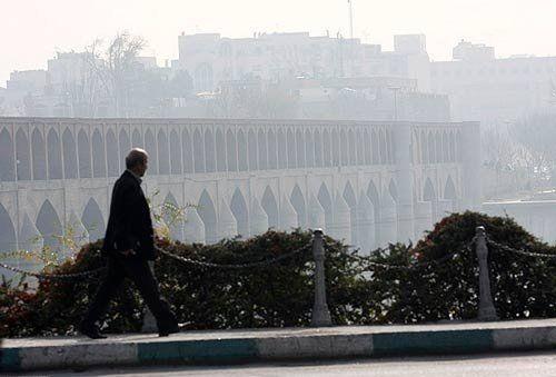 هوای اصفهان برای همه ناسالم است/پیش بینی هواشناسی درست نبود