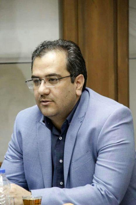 بازطراحی و نصب تصاویر سرداران شهید قرچک