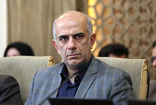 جایگاههای پمپ بنزین تک سکویی اصفهان توسعه یابد