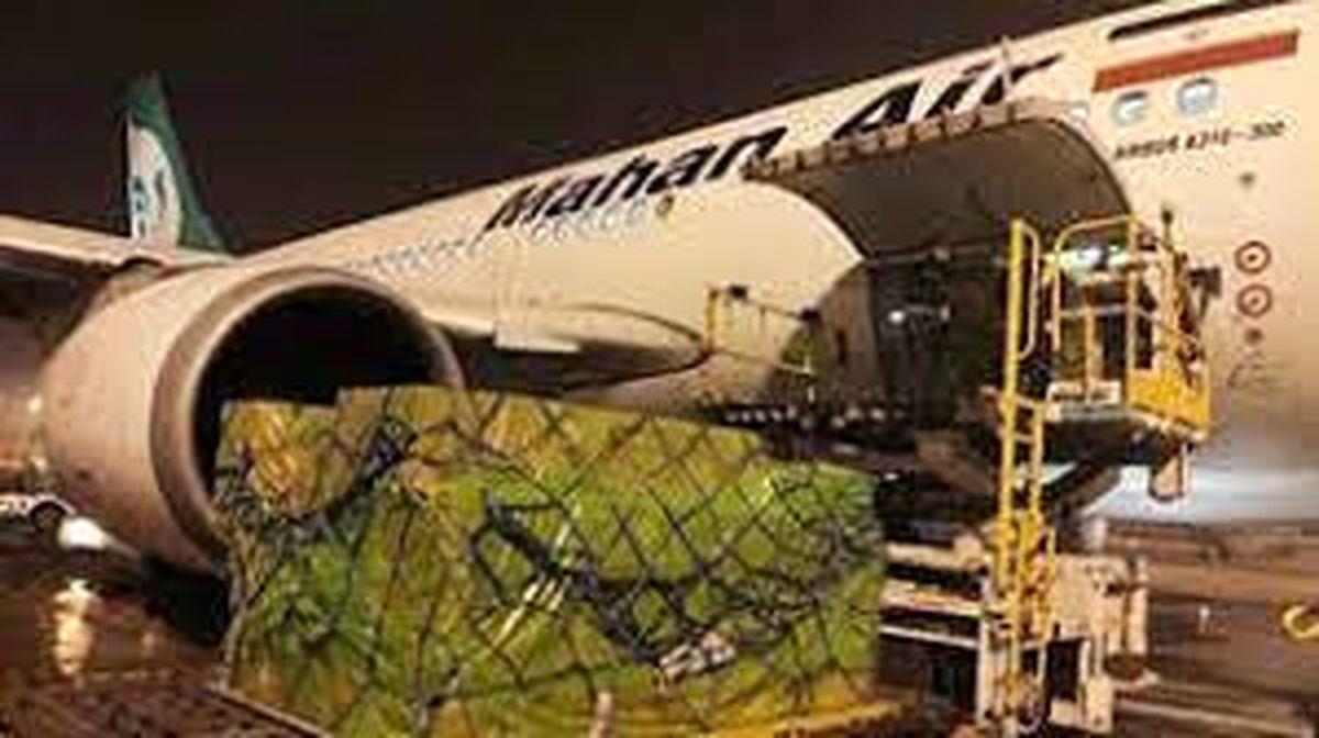 ورود هواپیمای تجهیزات پزشکی ارتش به زاهدان