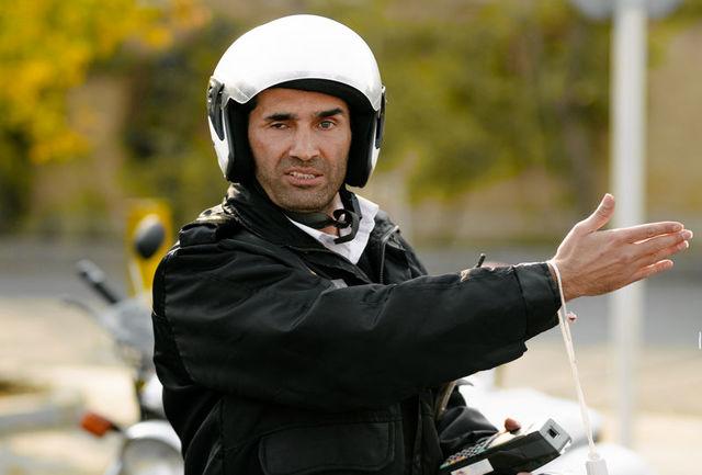 اولین عکس هادی کاظمی در سریال «سالهای دور از خانه»