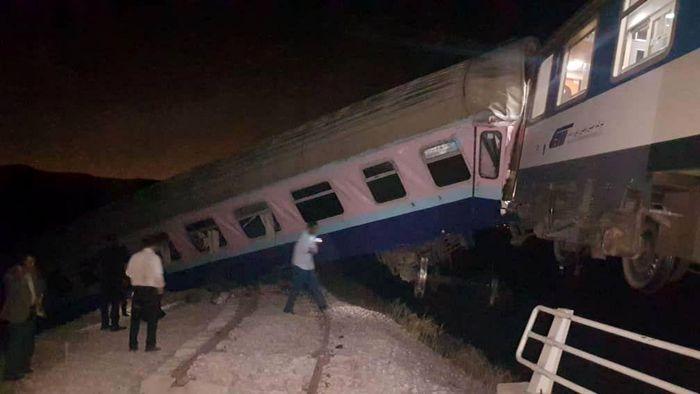 آخرین جزئیات خروج قطار مشهد_ همدان از ریل/ احتمال دزدیده شدن ریل