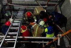 سقوط دوکارگر در آسانسور ساختمان ۱۸ طبقه