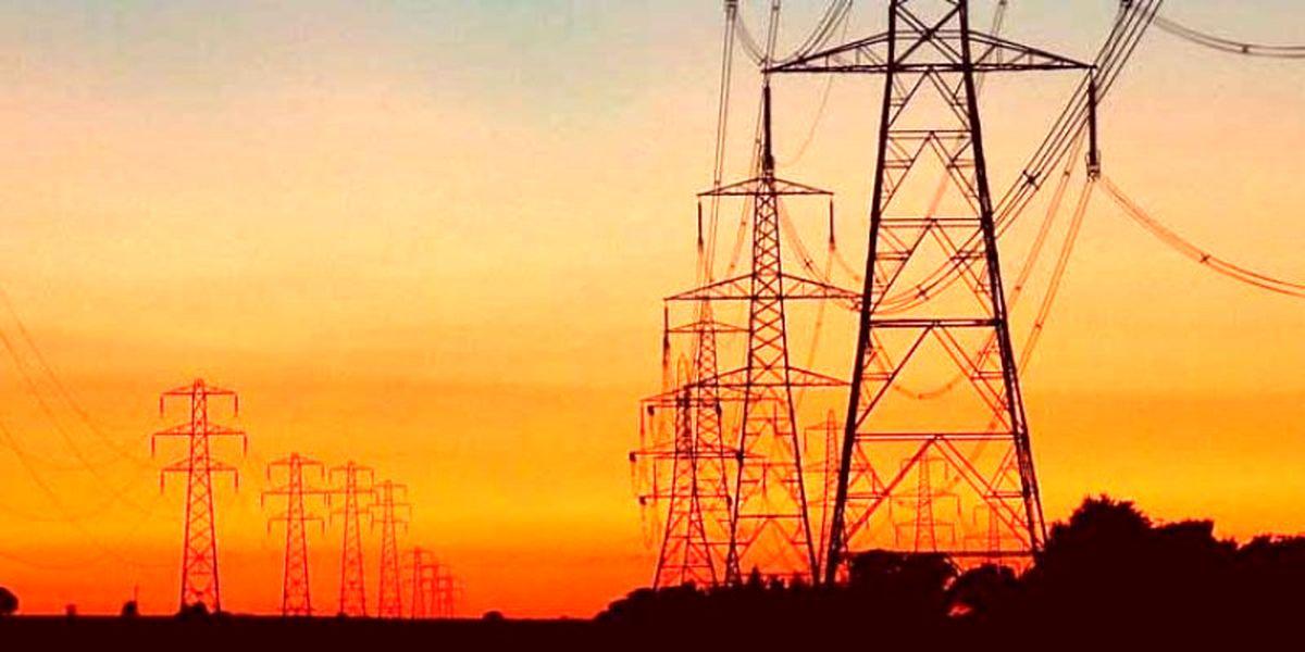دو دکل انتقال برق ایران منفجر شد